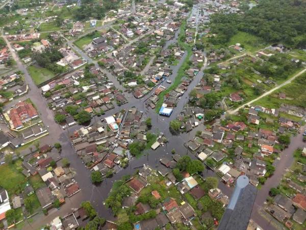 Após alagamentos, Defesa Civil monitora situação em Guaratuba