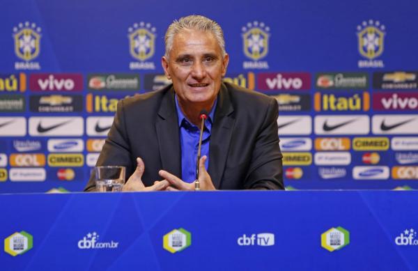 Tite: para técnico, Brasil precisa manter seus principais jogadores em casa para que o futebol brasileiro volte a ser grande
