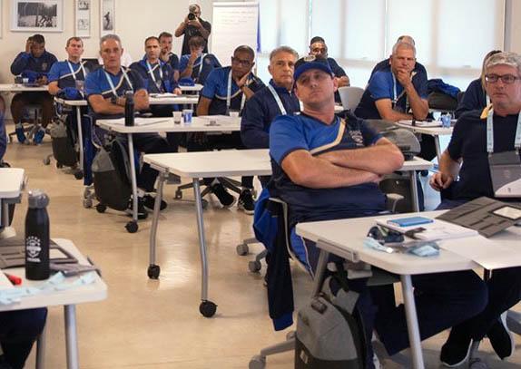 Rogério Ceni, no curso da CBF: resposta até sexta-feira