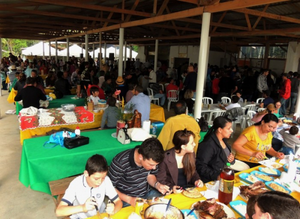 Festa começa com missa às 10 horas e almoço festivo às 12 horas