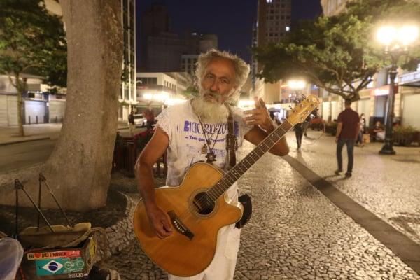 """O artista de rua Plá: """"Nesses 32 anos de carreira, nunca passei por uma situação dessas"""""""