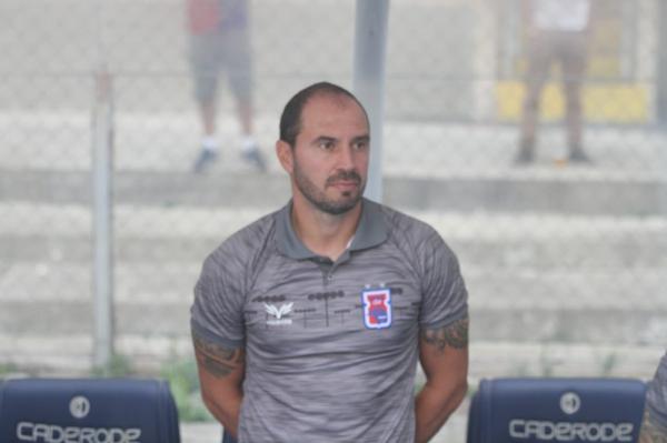 Allan Aal, técnico do Paraná Clube: depois de 7 jogos em 21 dias, uma semana para treinar