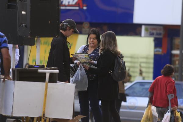 Panfletagem alertava a população sobre os motivos da Greve Geral