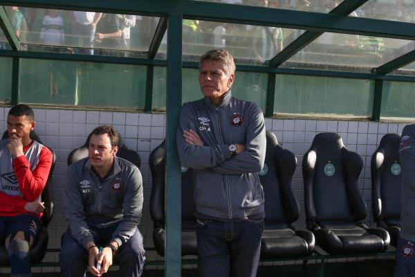 Autuori: demissão após goleada para time de Fernando Diniz