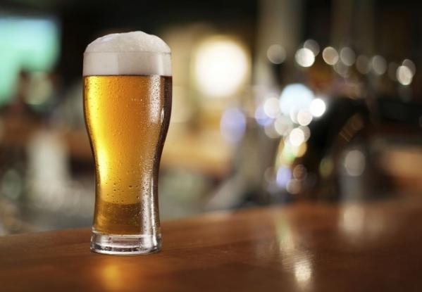 Azul inclui cerveja de graça no serviço de bordo regular