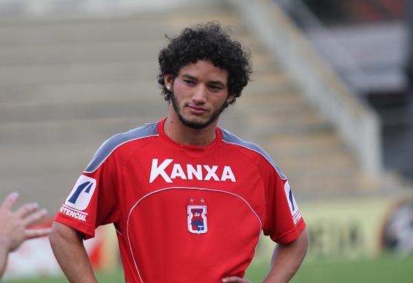 Arthur Caíke nos tempos de Paraná Clube: especialista em gols de cabeça