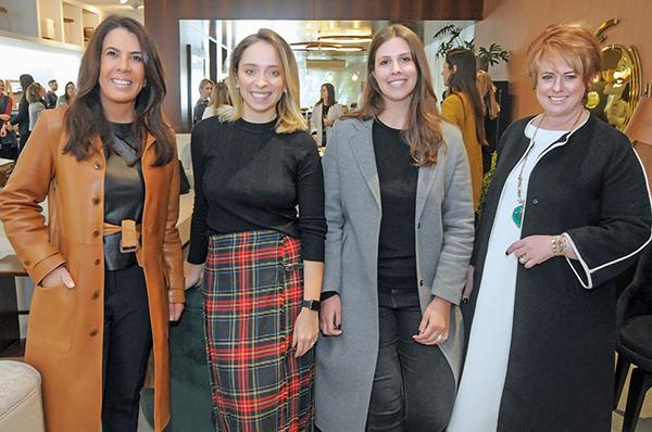 Marcia Almeida, Carolina Danylczuk, Lisa Zimmerlin e Adriana Sypniewski