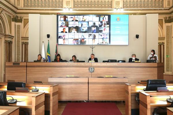 Câmara: vereadores de oposição questionam urgência de empréstimo para asfalto em meio à pandemia
