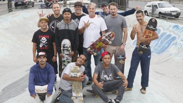 Fernando Johnson (de camisa branca) com apoiadores do movimento Skate, Ordem e Progresso