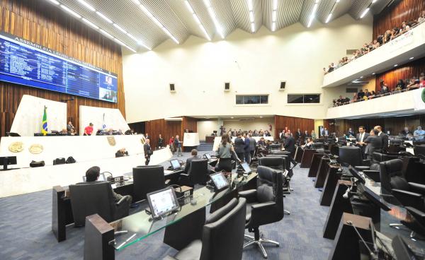 Assembleia: cada deputado recebe R$ 31,4 mil