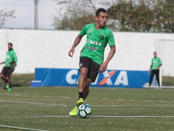 Rafinha treina no Coritiba, nas férias do futebol europeu de 2017