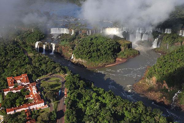 Parque Nacional do Iguaçu, onde ficam as Cataratas do Iguaçu, está fechado desde o dia 18 de março