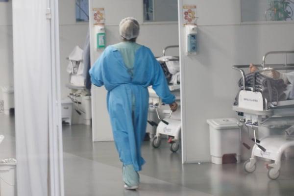 Curitiba registra 16 mortes e 301 casos de Covid-19. Casos ativos ficam abaixo de 5 mil