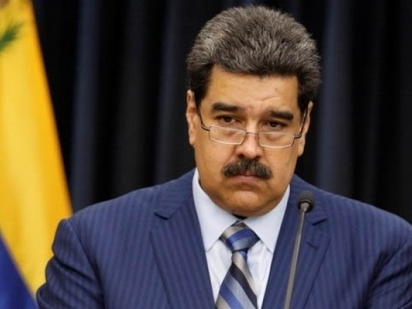 Nicolas Maduro toma posse