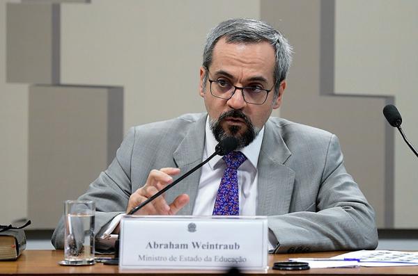 Weintraub: reunião da Comissão de Educação está marcada para terça-feira, às 11 horas.