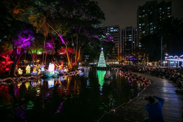 Entrega da revitalização do Passeio Público com encenação do Auto de Natal dos Reis na Ilha da Ilusão