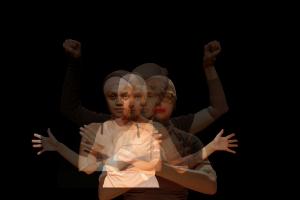 Espetáculo 'Estrangeiras' discute identidade e pertencimento