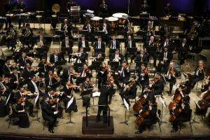 Orquestra Sinfônica comemora 34 anos ao som de Villa-Lobos e Shostakovitch