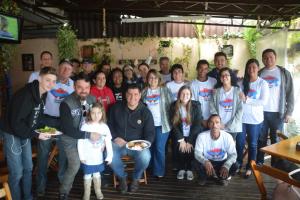 Protesto do bem apoia restaurante que 'luta' para poder dar comida aos necessitados
