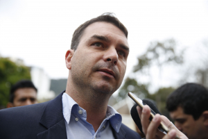 Receita Federal e MP investigam miliciano que mantinha elo com Flávio  Bolsonaro 9d64377a28d9f