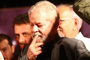 Lava Jato torna Lula, Palocci e Okamotto réus por lavagem de R$ 4 mi