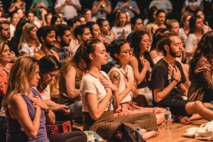 Curitiba recebe evento 'Grande Meditação' na próxima terça