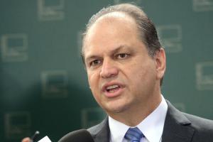 Deputado paranaense vai apresentar projeto na Câmara para plebiscito por nova Constituinte