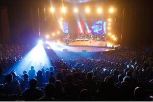 Paralamas do Sucesso abre calendário de retomada de shows em Curitiba. Veja como foi