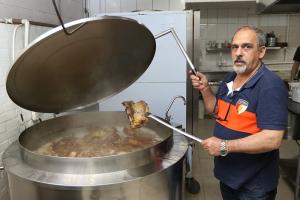 Gato Preto: a melhor costela de Curitiba e uma experiência antropológica