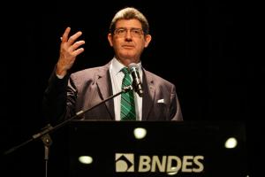 Levy entrega carta de demissão do BNDES após ultimato de Bolsonaro