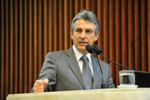 Veneri retira pré-candidatura a prefeito de Curitiba pelo PT
