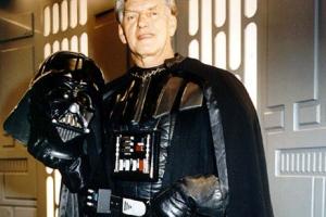 David Prowse, o Darth Vader de 'Star Wars', morreu de Covid-19, diz filha
