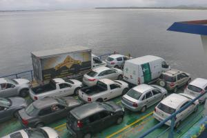 Agência reguladora cobra informações do DER sobre filas no ferry-boat  de Guaratuba