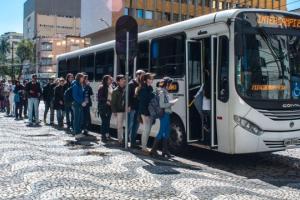 Linhas de ônibus Intercampi da UFPR terão interrupções e menos horários em julho
