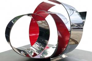 Museu Oscar Niemeyer inaugura exposição com 86 obras de Yutaka Toyota