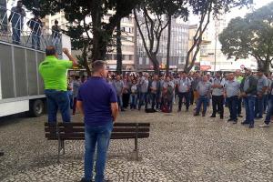 Motoristas e cobradores de Curitiba e RMC aprovam acordo salarial 2019