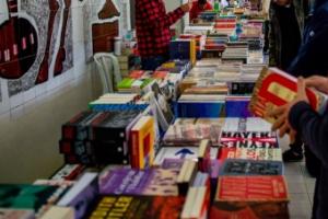 Editora UFPR faz Feirão de Livros virtual a partir desta terça-feira com desconto mínimo de 40%