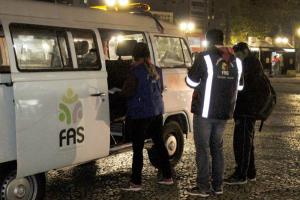 Prefeitura de Curitiba inicia Operação Inverno sem ter vacinado servidores da FAS contra Covid-19