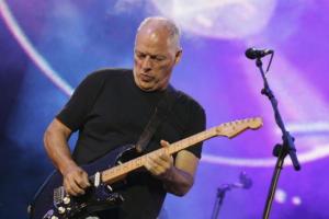 Guitarra de David Gilmour é leiloada por US$ 3,9 milhões e é a mais cara da história