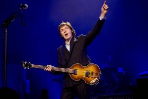 """""""Escrever música é como conversar com psiquiatra"""", diz Paul McCartney"""