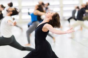 Bailarinos do Guaíra oferecem oficinas on-line gratuitas. Veja como participar