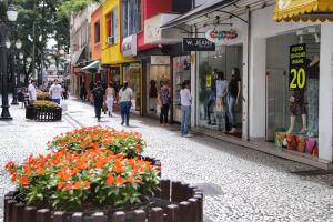 Índice de confiança dos comerciantes do Paraná cresce 14,2% em um mês