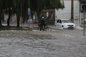 Depois de alagamentos, Curitiba vê risco com as doenças