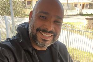 Famoso comunicador da Grande Curitiba, Leo Barbosa morre por complicações da Covid