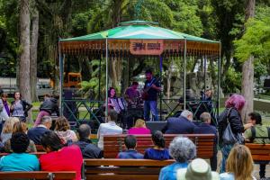 Música toma conta do Passeio Público