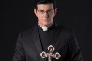 Padre Reginaldo Manzotti é hospitalizado após indisposição