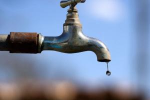 Vinte bairros de Curitiba podem ficar sem água a partir desta terça-feira. Veja como fica o seu