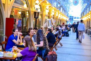 Confira 11 lugares para curtir um show de sabores no feriado em Curitiba