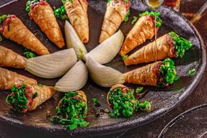 Carne de Onça ganha releituras em Bar de Curitiba. Veja fotos