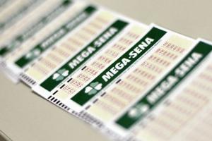 Mega-Sena acumula e prêmio pode chegar a R$ 12 milhões. Uma aposta do PR fez a quina